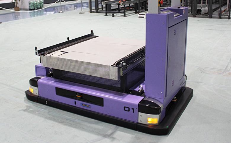 全方向移載型無人搬送台車(FAV/FAC)