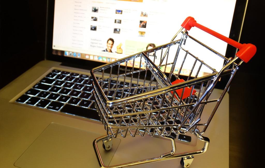 オンラインショッピングでアマゾンに立ち向かう